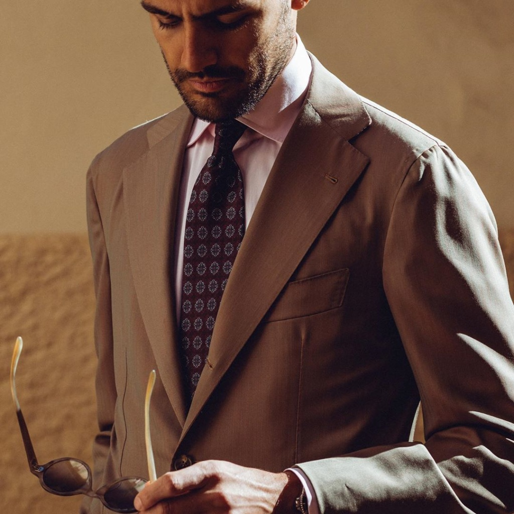 costume_beige_sur_mesure